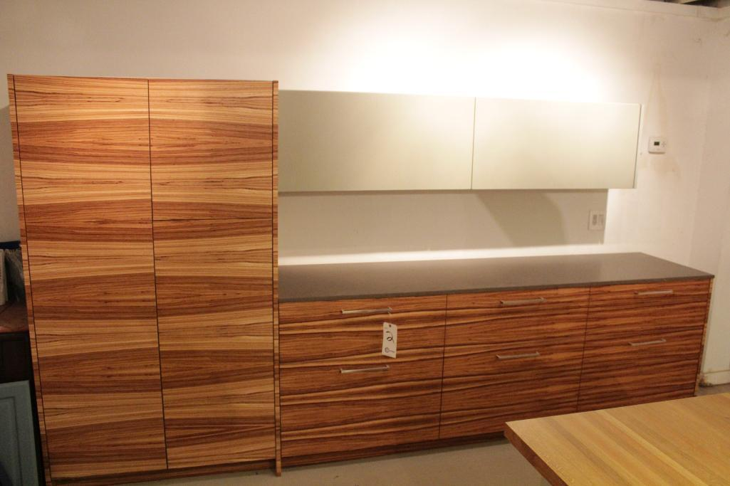 Lot 2 - Display Kitchen cabinets
