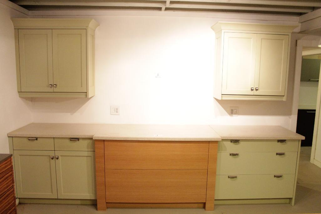 Lot 1 - Display Kitchen cabinets
