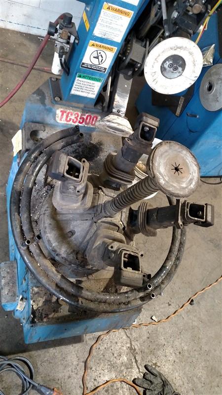 Lot 8 - Hunter TC3500 (Butler 10533) Tire Changer s/n 06569