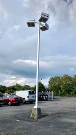 Lot 36 - (1) Light Pole / (3) Lamps - (1 x Bid)