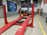 Lot 17 - Hunter L421-14K 14,000 Lb. 4-Post Surface Alignment-Rack Lift s/n DS5796 (Open Front / Ramp ...