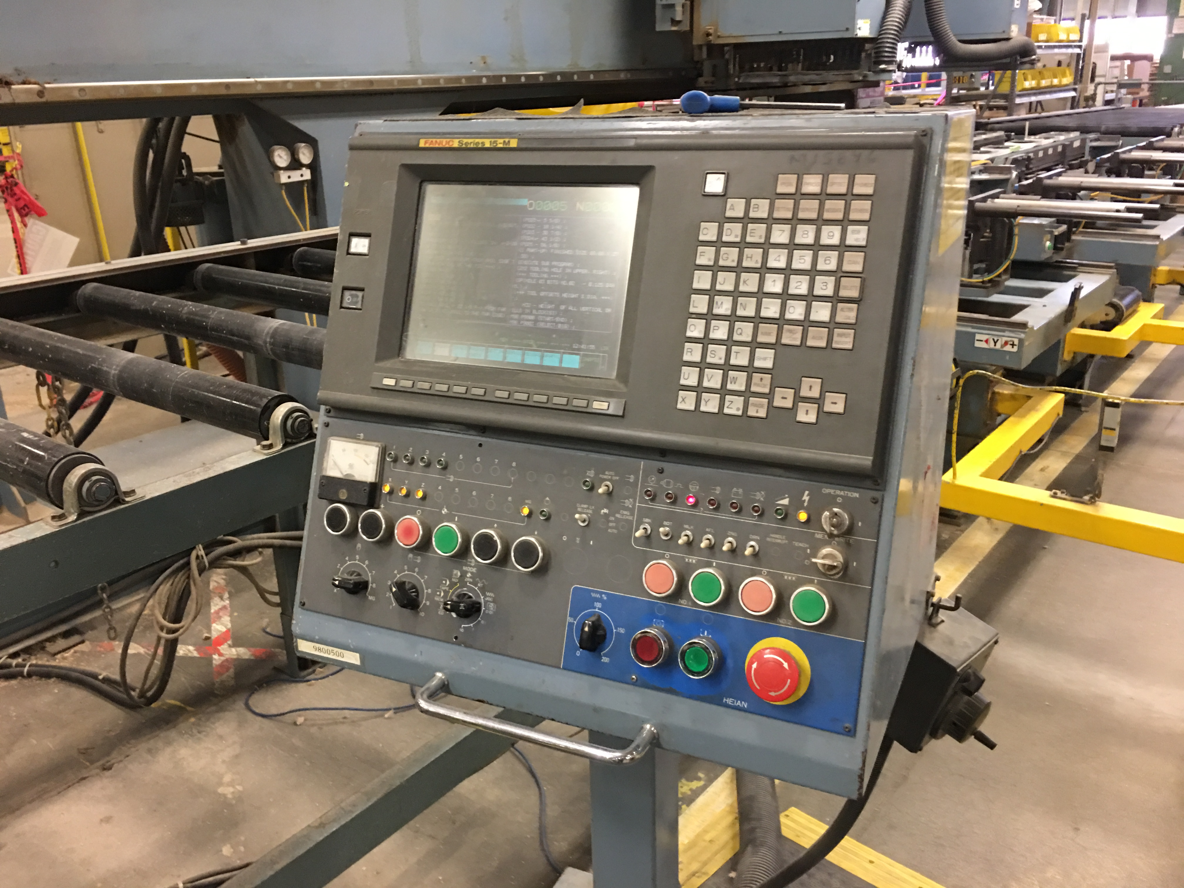 Lot 8 - HEIAN CNC ROUTER WITH VACUUM PUMPS