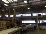 Lot 6 - VACUUM LIFTER WITH PUMP AND OVERHEAD GANTRY RAILS