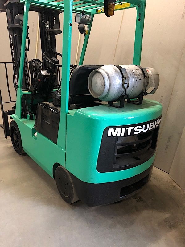 Lot 6 - MITSUBISHI (FGC25) 5,000 LBS CAP FORKLIFT LPG 3 STAGE SIDE SHIFT (EXCLUDING TANK)