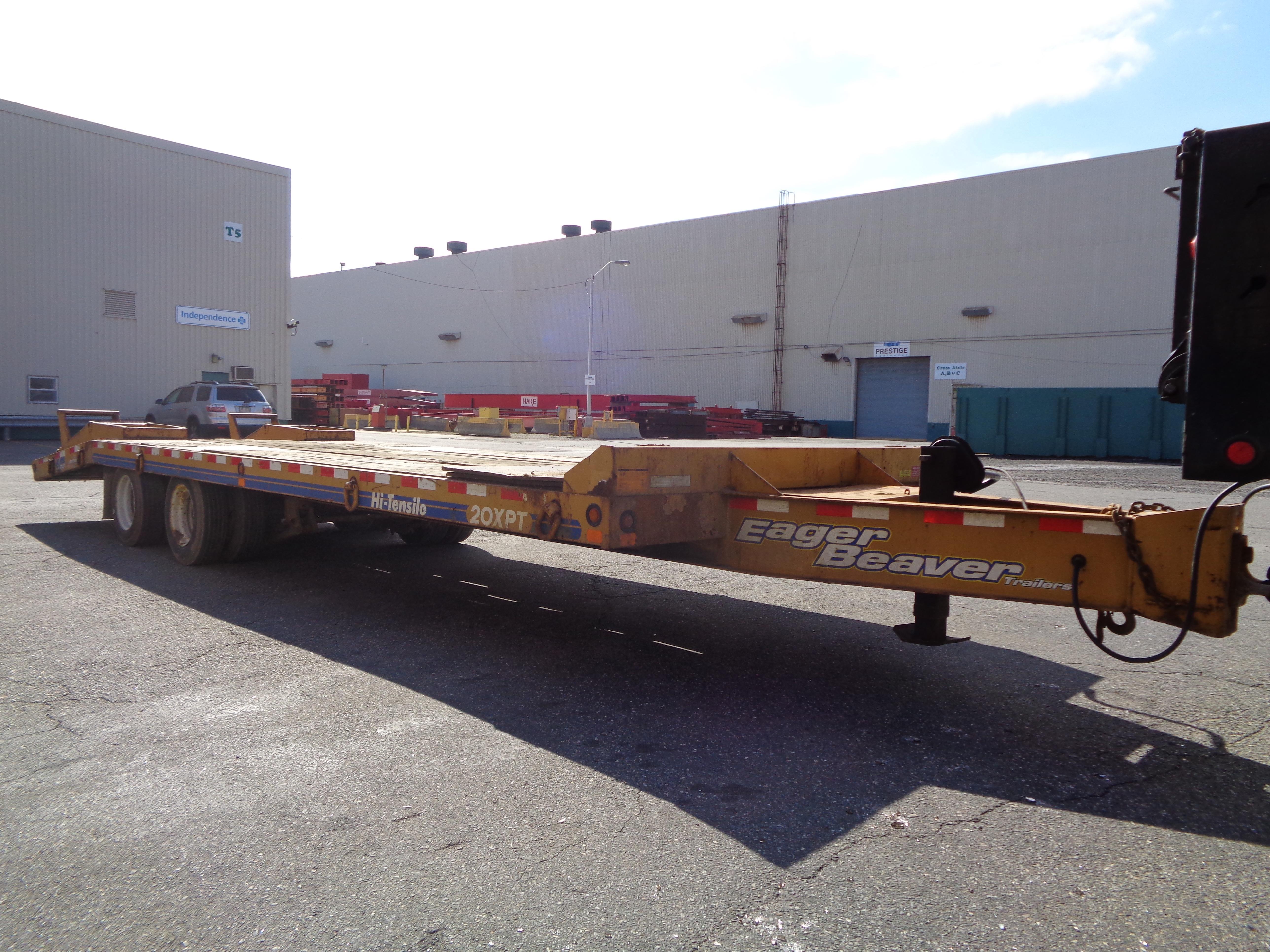 Lot 119 - 2011 Eager Beaver 20 Ton Tagalong Equipment Flatbed Trailer