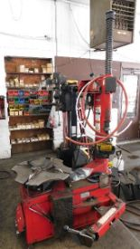 Lot 37 - Hunter Tire Changer Mdl TCX500E Series, w/bead press system