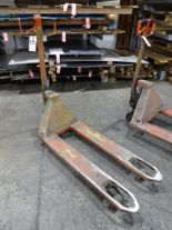 Lot 13 - BT Lifter 2000 kg Hydraulic Pallet Jack
