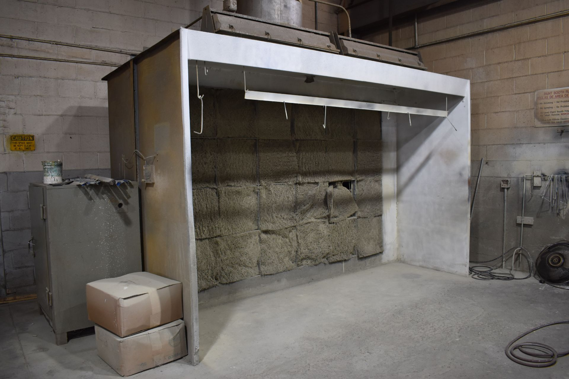 Lot 44 - LOT: 12 ft. Dry Filter Type Spray Booth, (2) Paint Pressure Tanks, Paint Spray Guns, Air