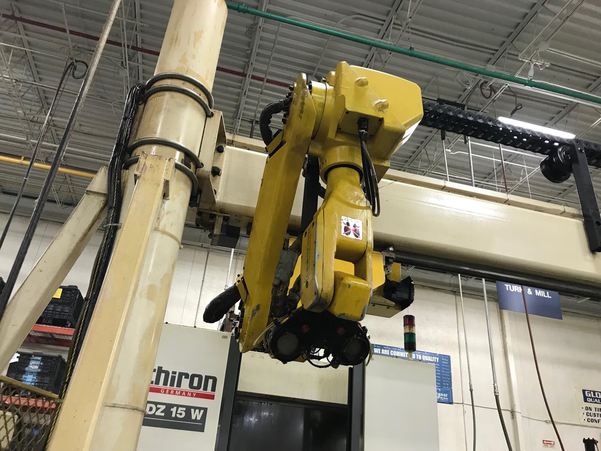Lot 9 - FANUC GANTRY ROBOT WITH 23' RAIL, MODEL M-16IT, RJ3 CONTROL, SN E98Y0381, YEAR 11-99 LOCATION IL