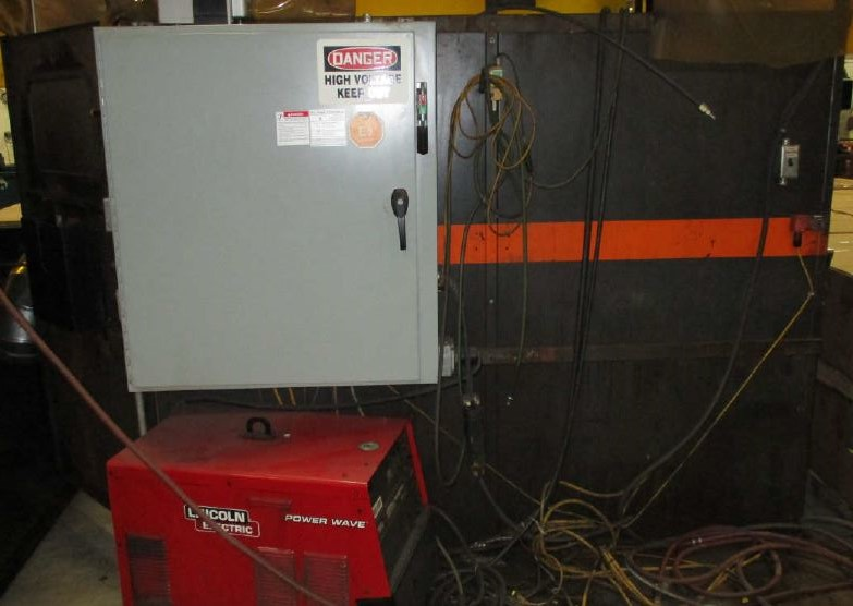 Lot 11 - ABB WELDING CELL WITH LINCOLN POWER WAVE 455, AB CONTROLS WITH HMI, (NO ROBOT), LOCATION MI