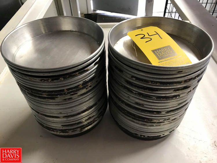 "Lot 34 - 8"""" Round Pans Rigging fee: 25"