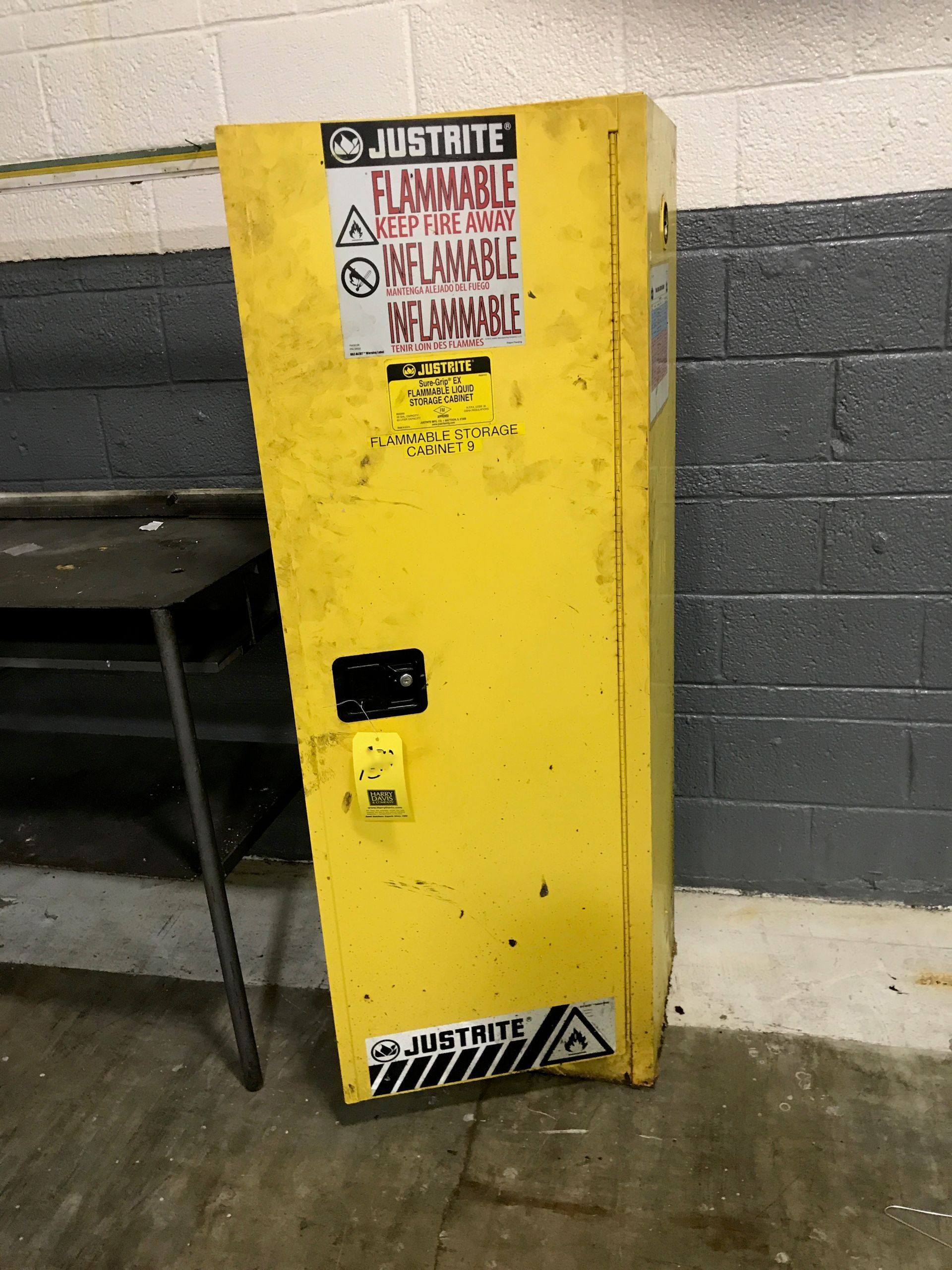 Lot 42 - Justrite 22 Gallon Flammable Storage Cabinet (Located in Seneca, MO) Rigging: $ 25
