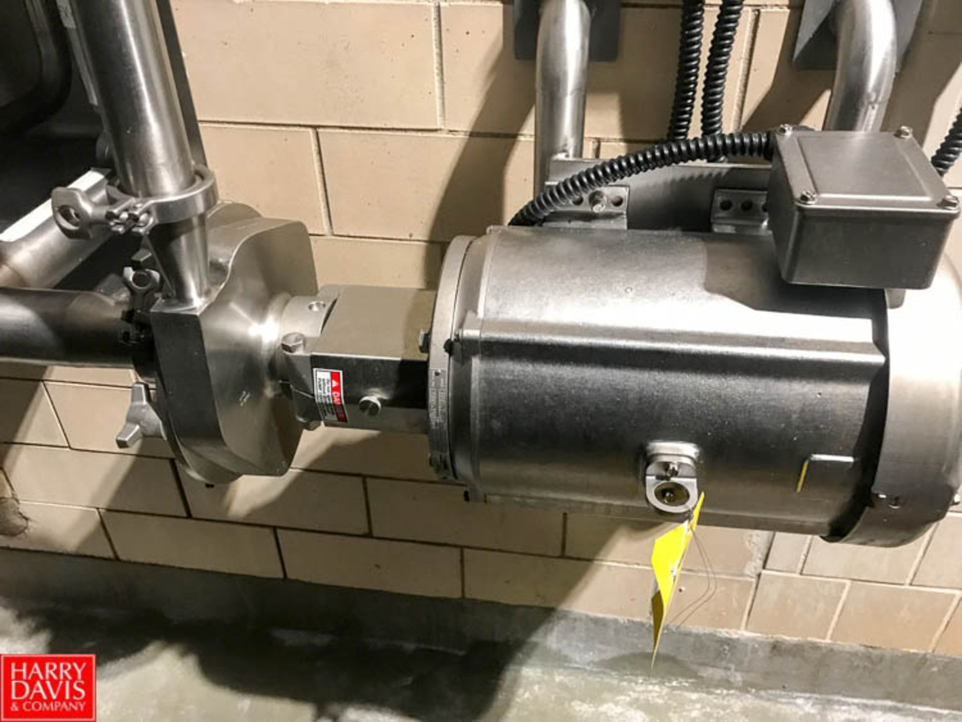 """Lot 48 - Fristam 7.5 HP Centrifugal Pump, S/S Clad Motor, 2"""" x 2.5"""" Head, Clamp Type with Hubbell"""