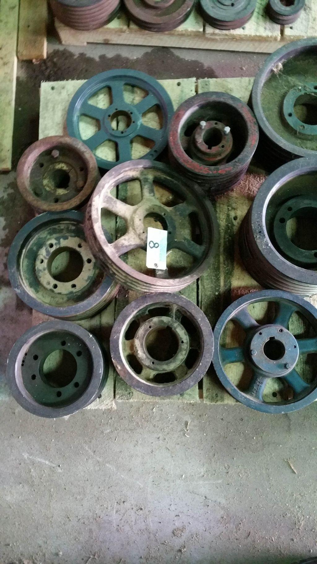 Lot 008 - (9) Large sheave pulleys.