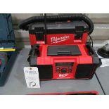 Milwaukee Portabel Radio & Wet/Dry Vacuum
