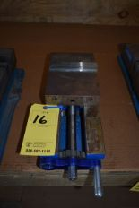 "Lot 16 - KURT 6"" MACHINE VISE"