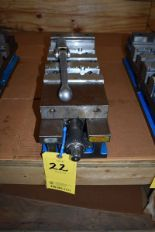 "Lot 22 - KURT 6"" MACHINE VISE"