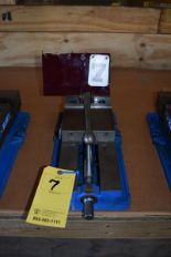 "Lot 7 - KURT 6"" MACHINE VISE"
