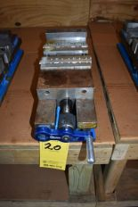 "Lot 20 - KURT 6"" MACHINE VISE"