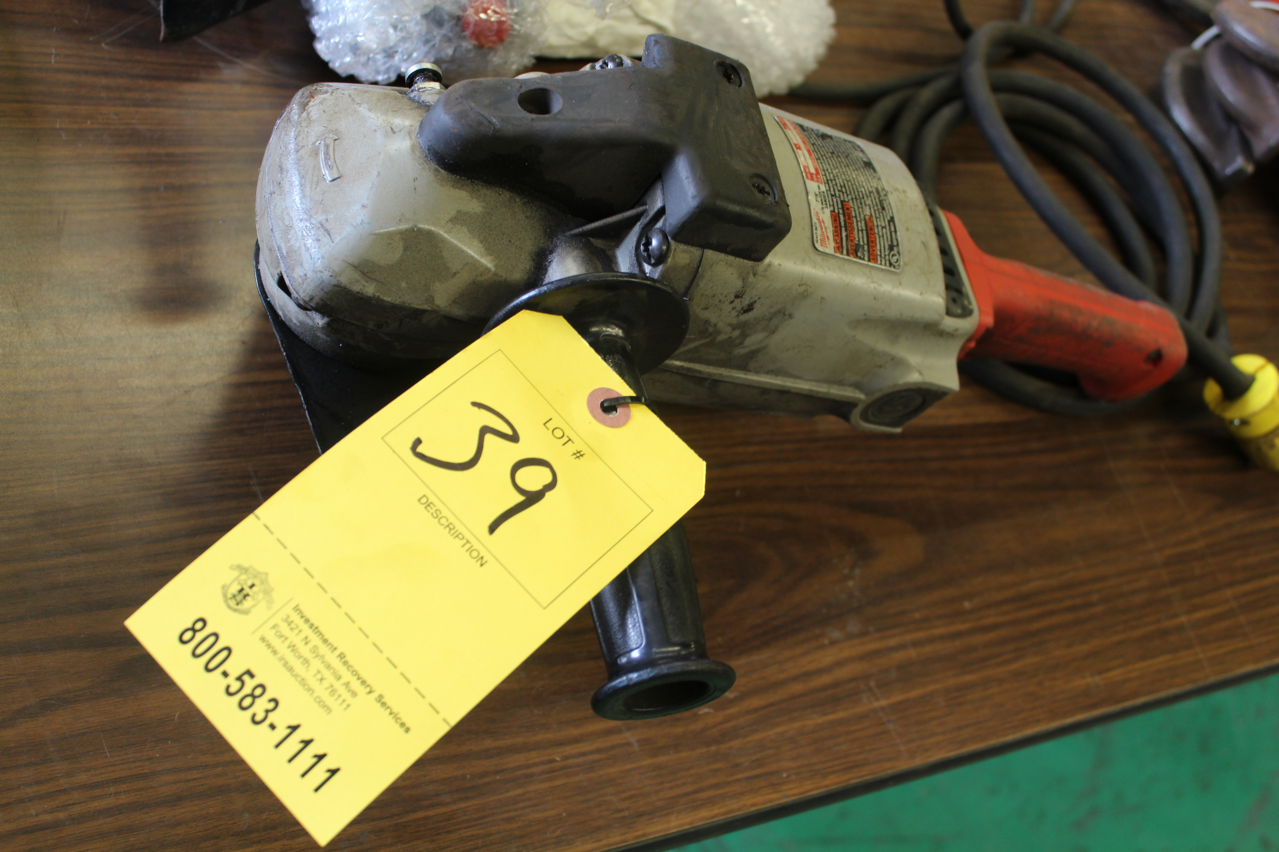 "Lot 39 - MILWAUKEE ELEC 6"" HAND GRINDER"