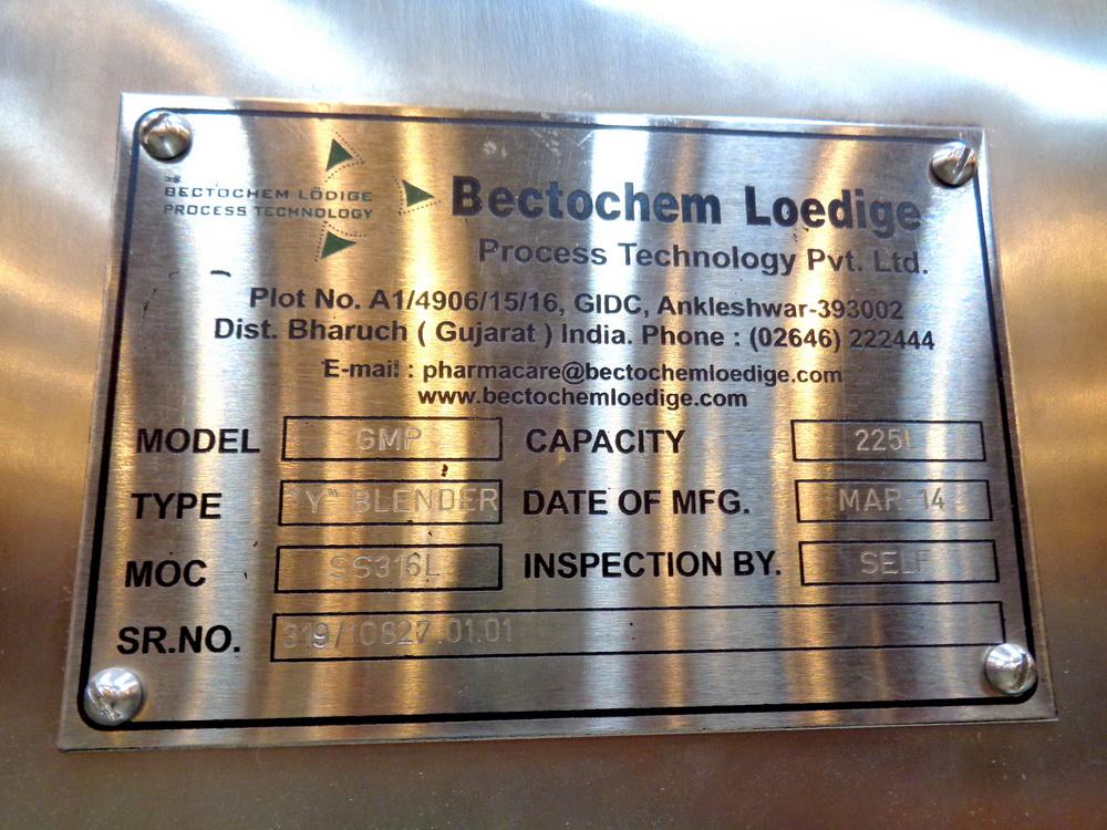 "Lot 40 - Becotochem-Lodige 5 CUFT 316L Stainless Steel Portable ""Vee"" Blender, Model GMP"