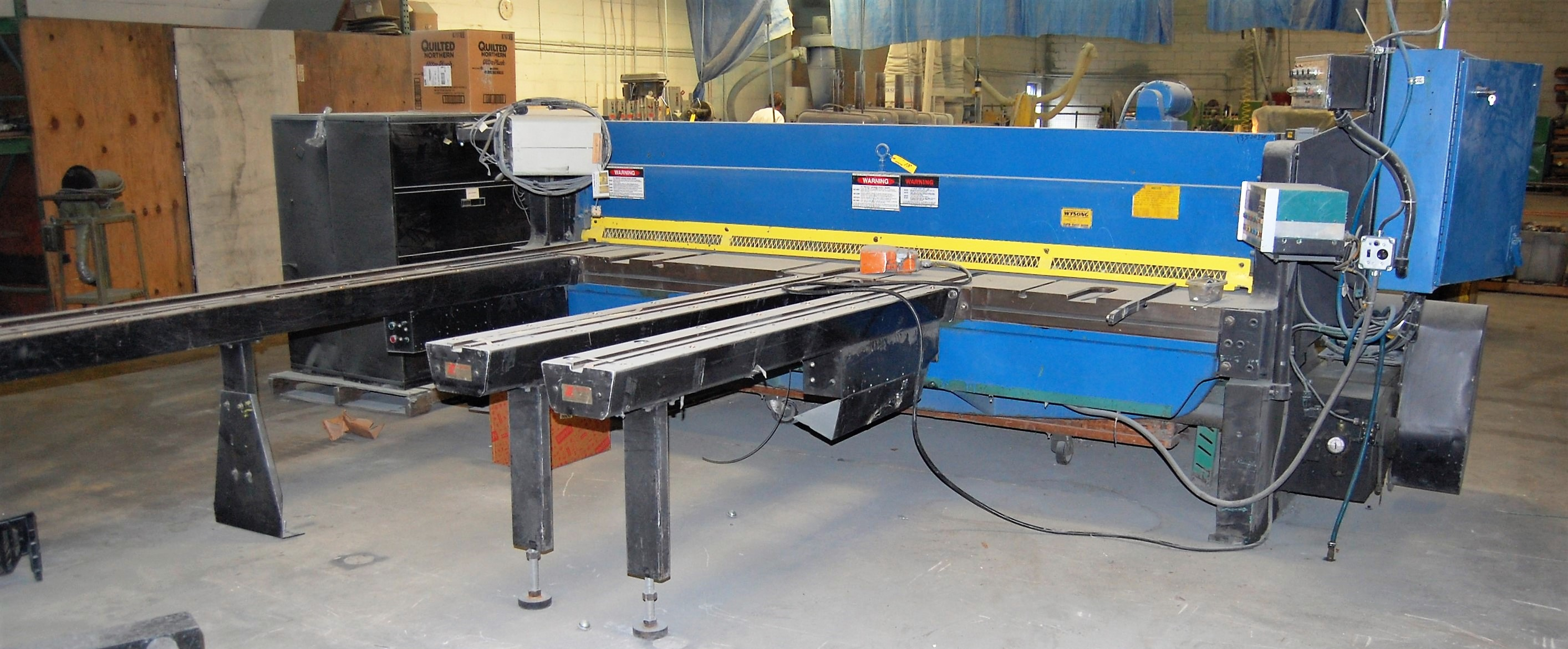 METAL FABRICATION AND WOOD/PLASTIC MACHINERY OF A SIGN MANUFACTURER