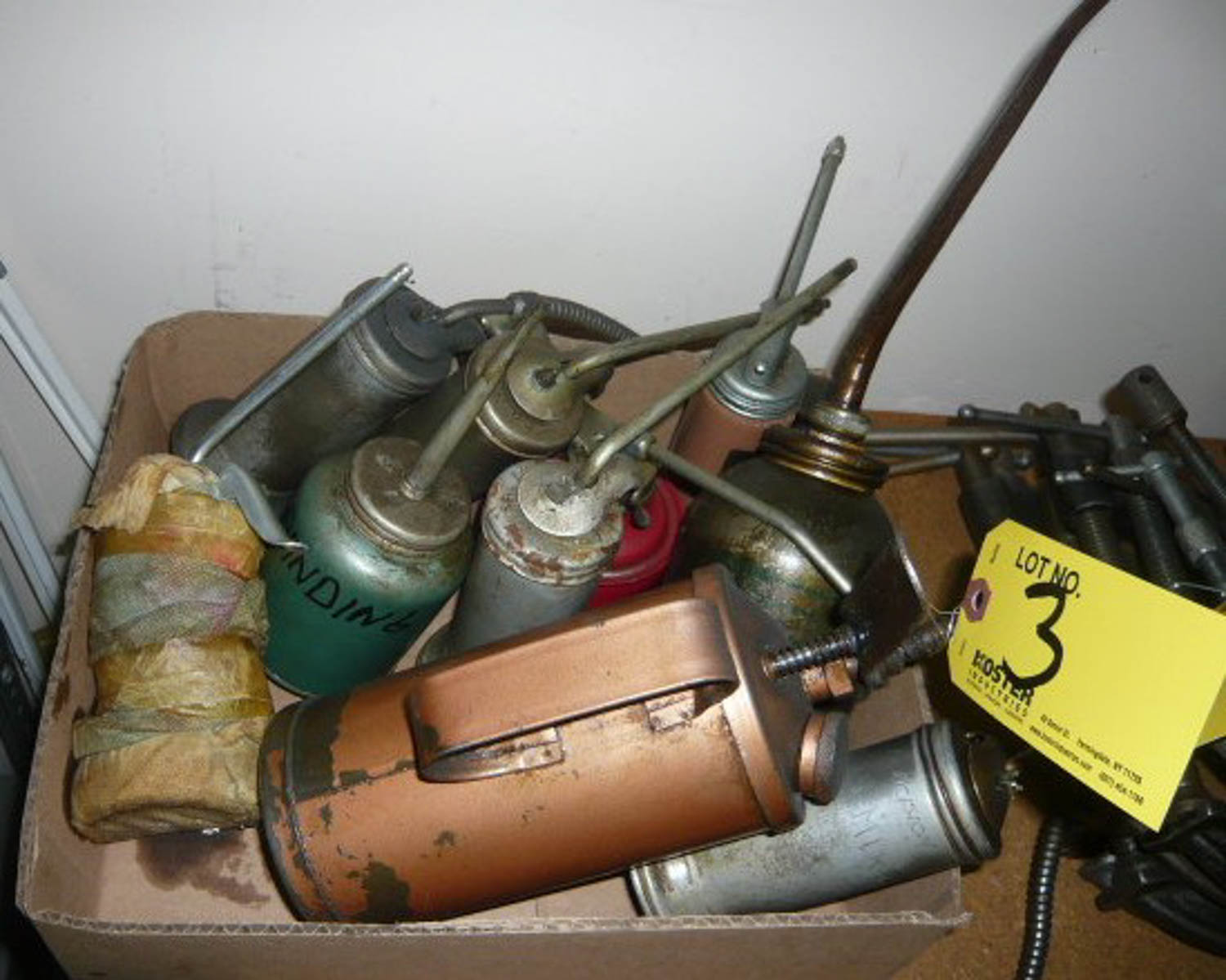 Lot 3 - OIL CANS