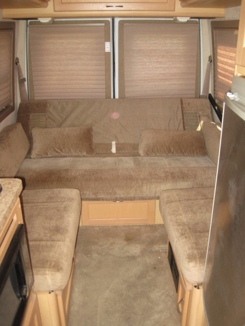 Lot 5 - 2005 Dodge Sprinter 2500 Pleasure Plateau 15 Motor Home