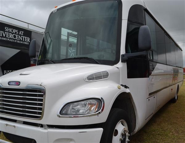 Lot 6 - 2008 General Coach ABC M1235 Shuttle Bus #135