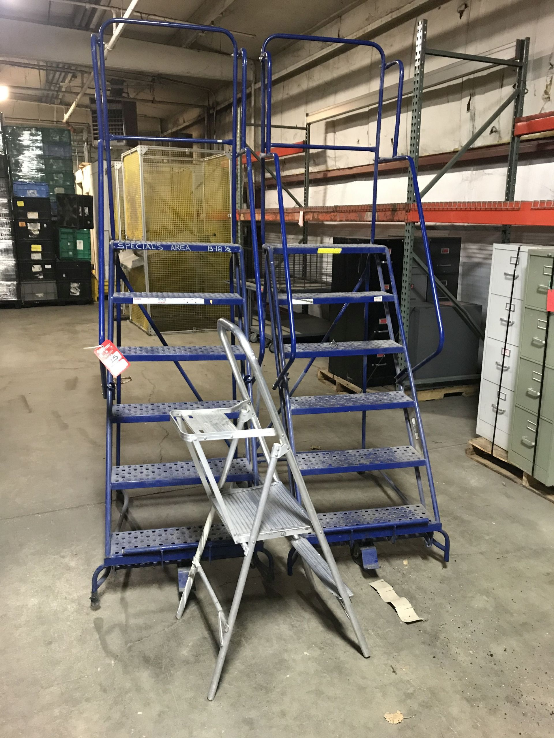 Lot 25 - ROLLING 6' STEP LADDERS (2), AND ALUMINUM 2' STEP STOOL [LOCATION: BUILDING 2]