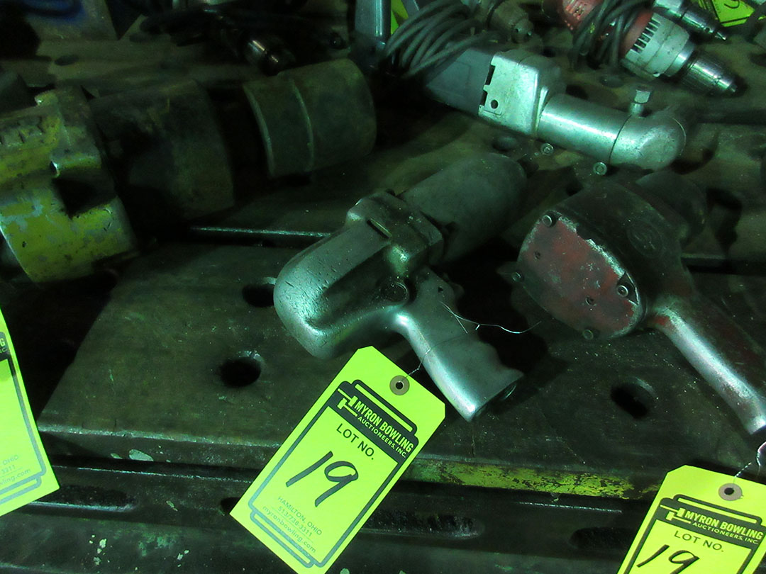 Lot 19 - 1/2'' PNEUMATIC WRENCH
