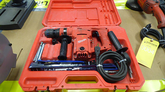 Lot 3 - MILWAUKEE HEAVY DUTY HAMMER DRILL