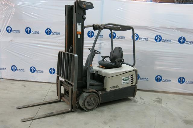 """Lot 8 - CROWN, SC5245-40, 3,700 LBS., 3 STAGE, BATTERY POWERED, FORKLIFT WITH CHARGER WITH SIDESHIFT, 222"""""""