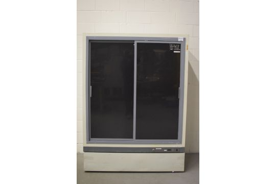 Kendro Vcr445a20 Double Sliding Glass Door Refrigerator Sn Z110