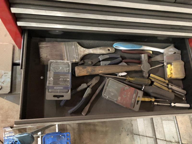 Lot 13 - Craftman 10 drawer lift tool box & contents of sockets, wrenches