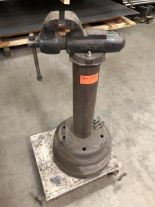 "Lot 22 - 4"" Wilton 400 vise on stand with rolling cart"