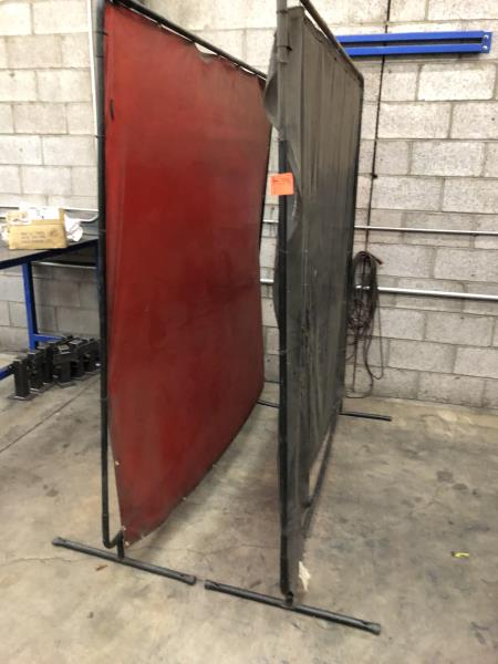 Lot 31 - Welding Screens