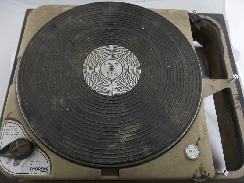Lot 596 - Thorens TD 121 turntable, #2571, made in Switzerland, 33 1/3, no arm board or arm