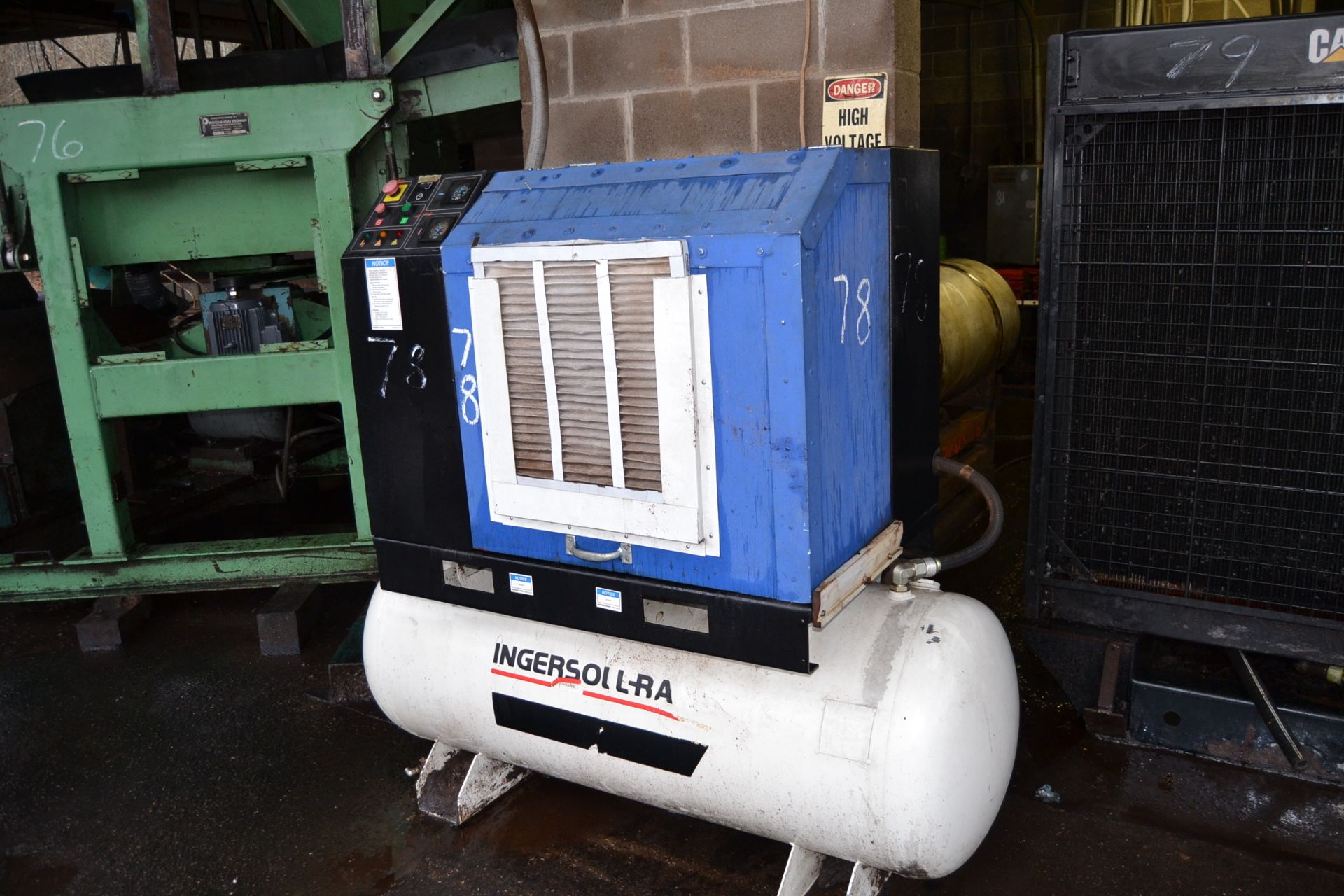 Lot 78 - INGERSOLL RAND 20HP SCREW TYPE AIR COMPRESSOR