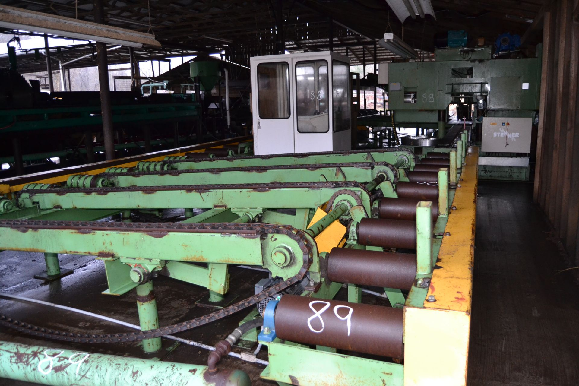 """Lot 89 - TURN A ROUND SYSTEM W/ 18""""X17' INFEED ROLLCASE W/ CANT POSITIONERS W/ 12' 4 STRAND INFEED TRANSFER"""