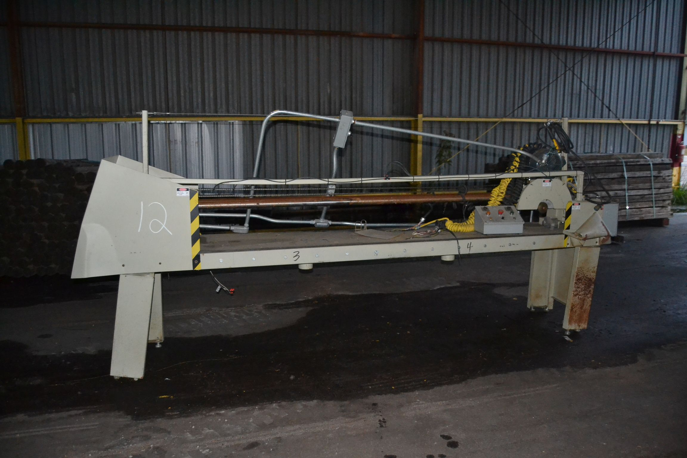 Lot 12 - PLYWOOD SAW