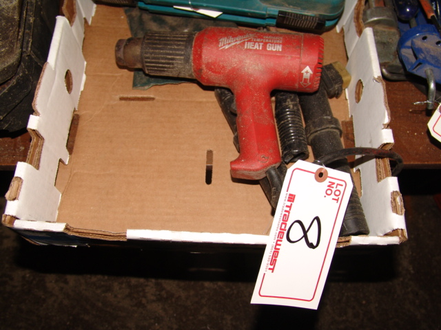 Lot 8 - MILWAUKEE HEAT GUN