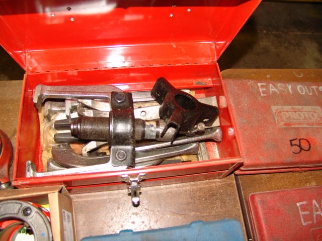 Lot 45 - HD PULLER SET W/ CASE