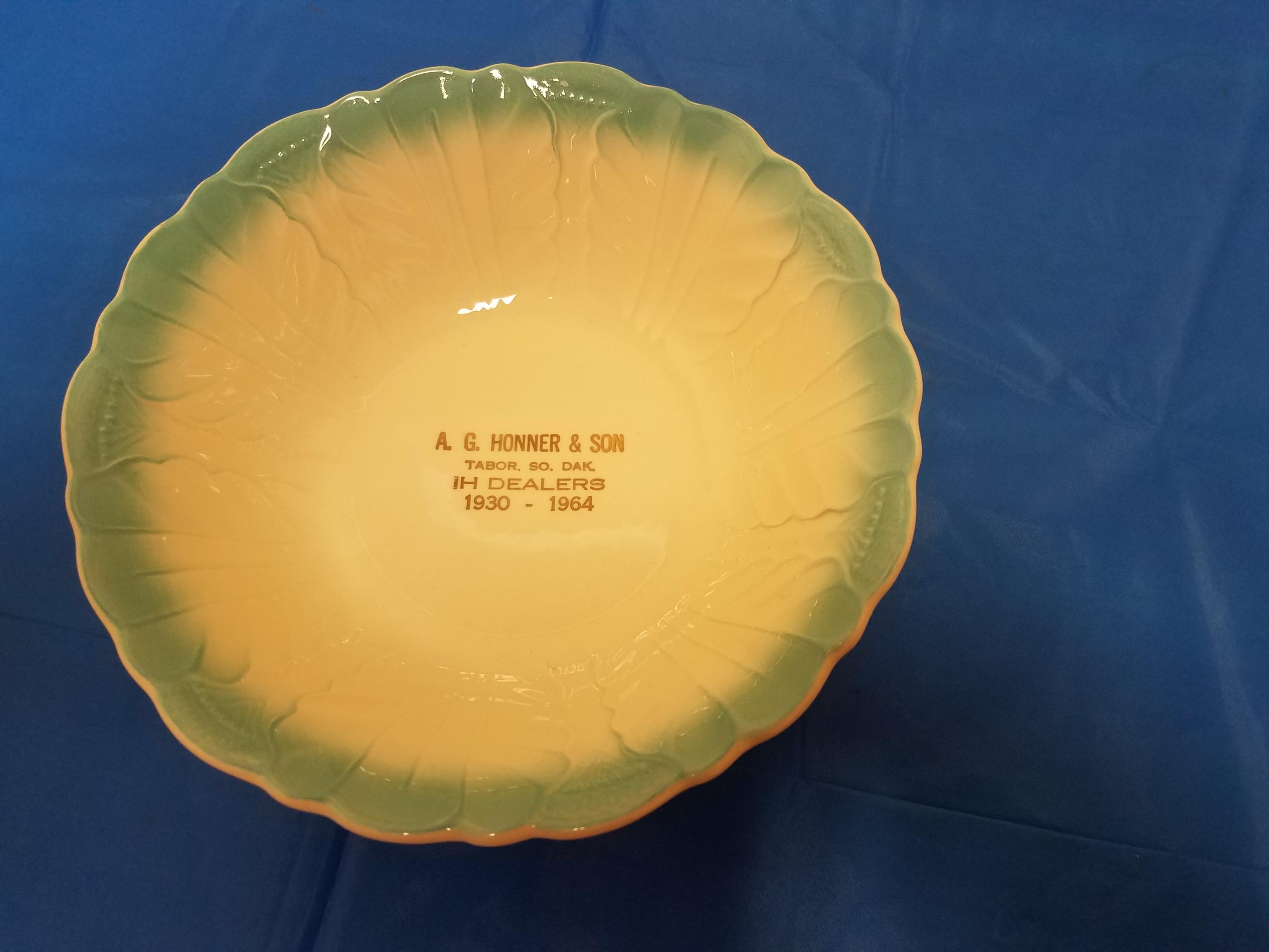 Lot 27 - A.G.Honner Tabor SD Bowl