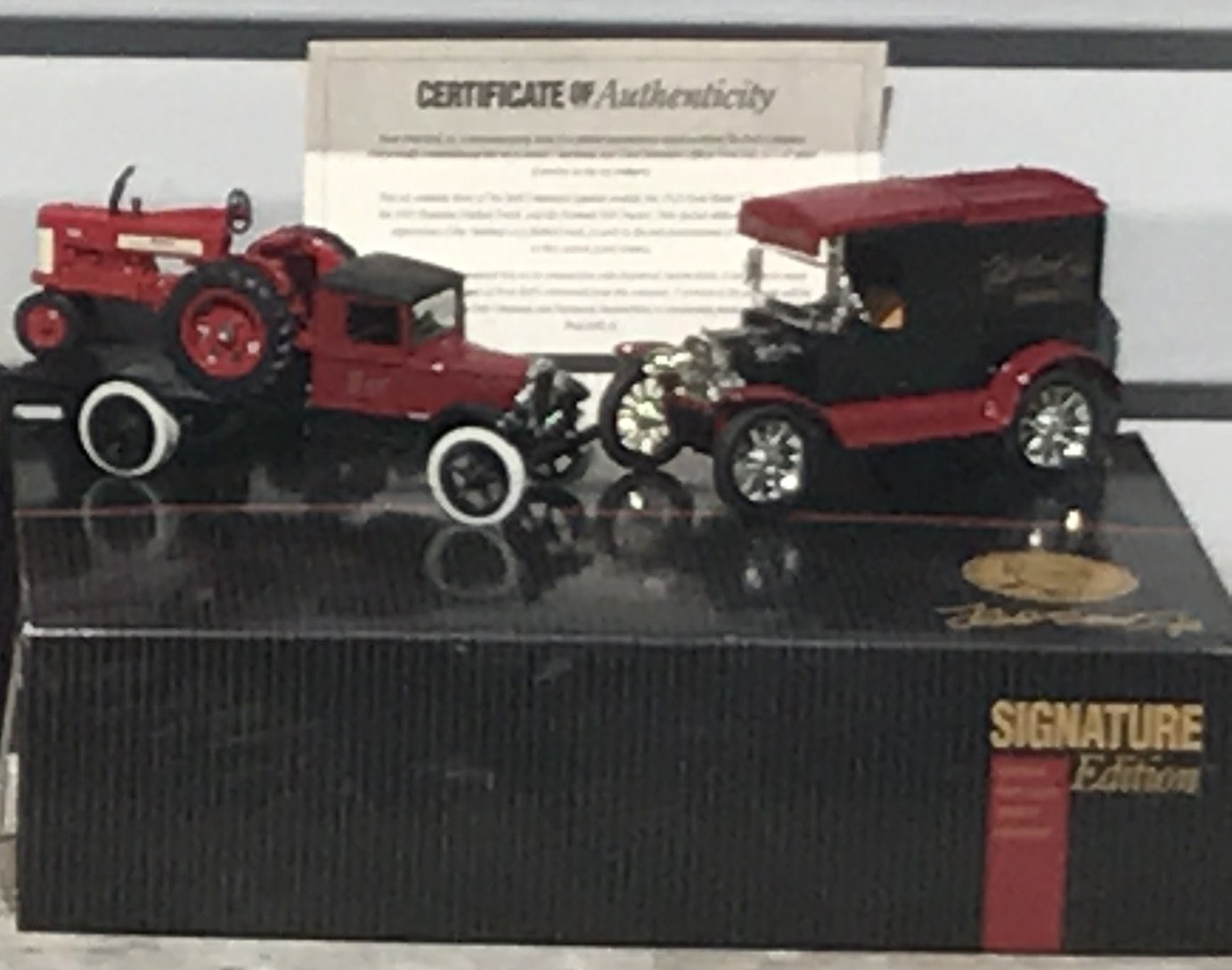 Lot 23 - Signature Series Truck w/350 Tractor & 1913 Mdl.T Bank NIB