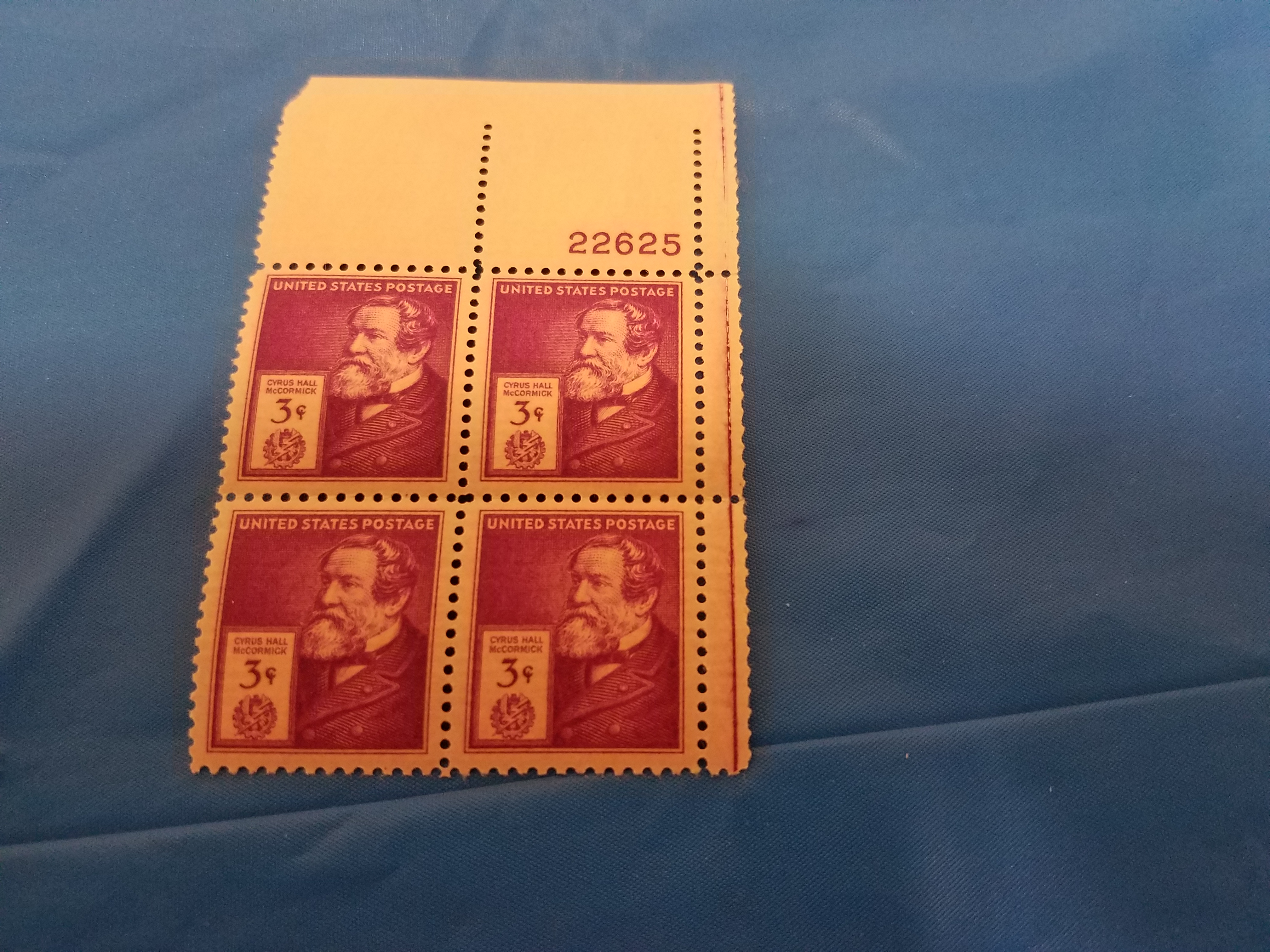 Lot 33 - 3 Cent Stamps
