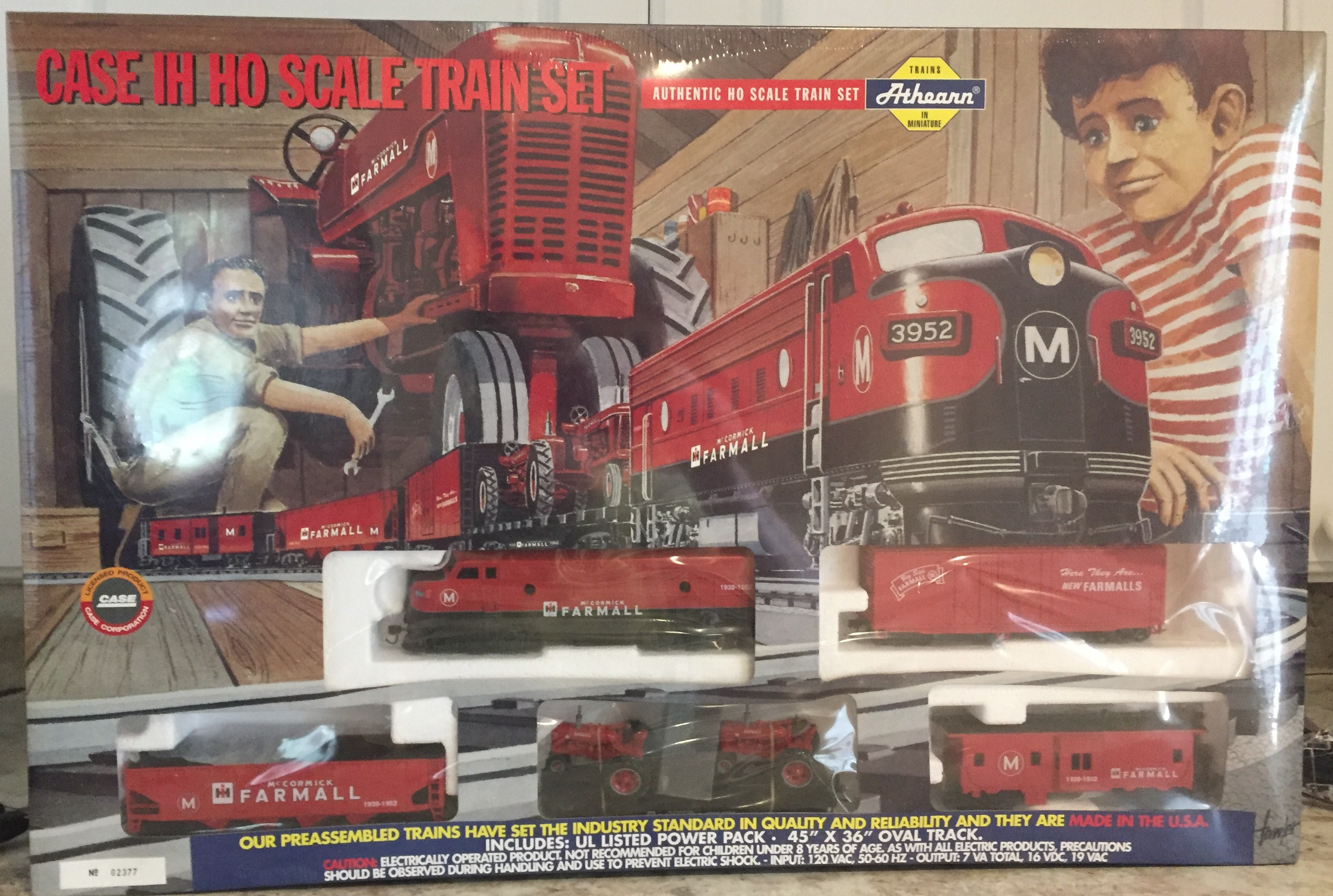 Lot 12 - Case I-H HO Scale Train Set NIB
