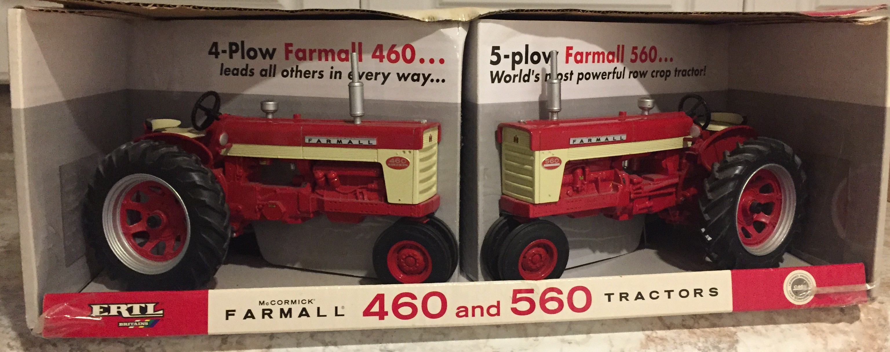 Lot 5 - Farmall 460/560 Tractor Set NIB