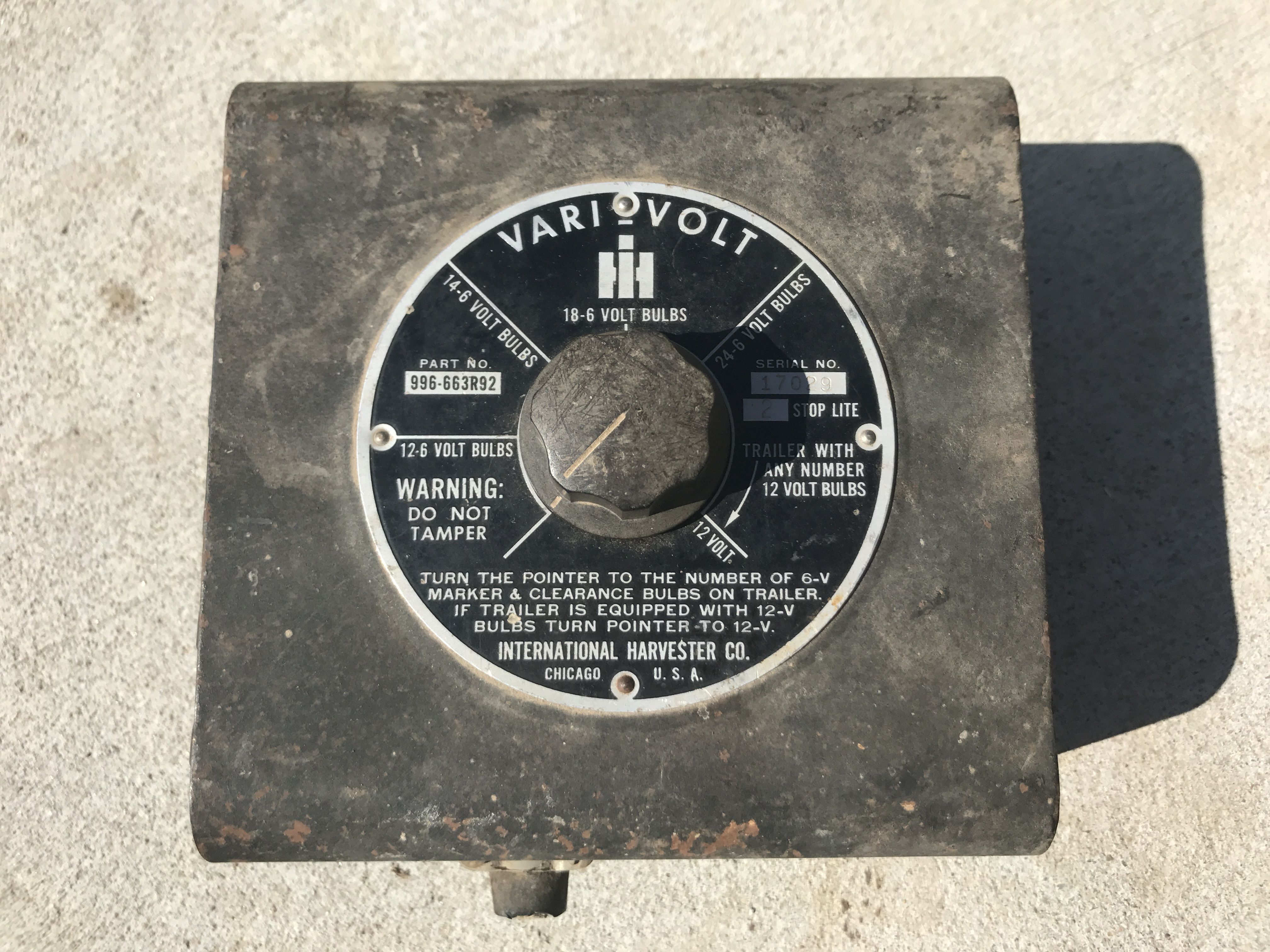Lot 11 - I-H Vari-Volt 6/12v Regulator S#17029