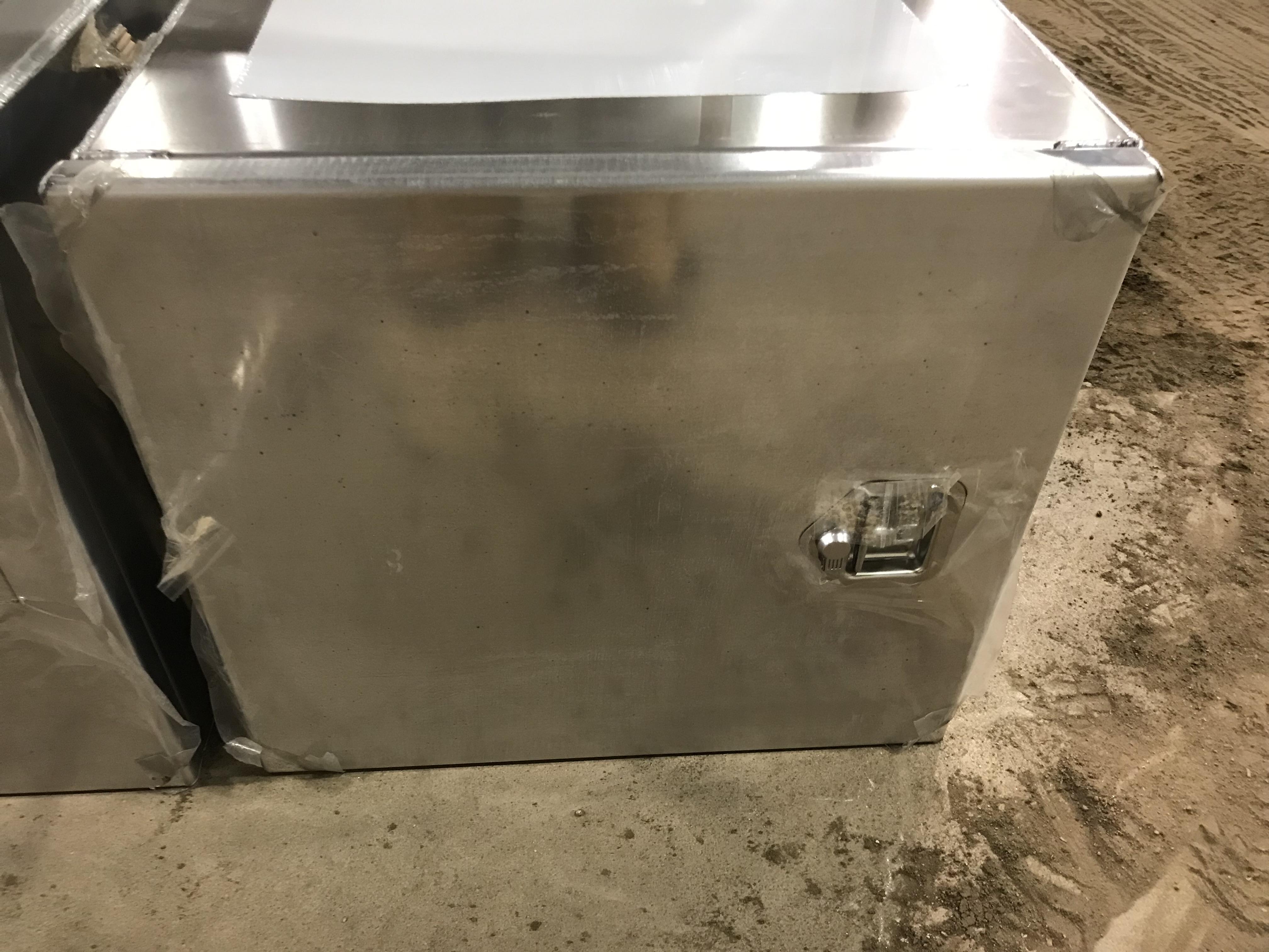 Lot 1 - Aluiminum Semi/Truck Tool Box (new)